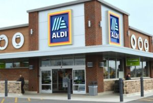 Aldi pushes ahead with trial of its first click-and-collect services in UK