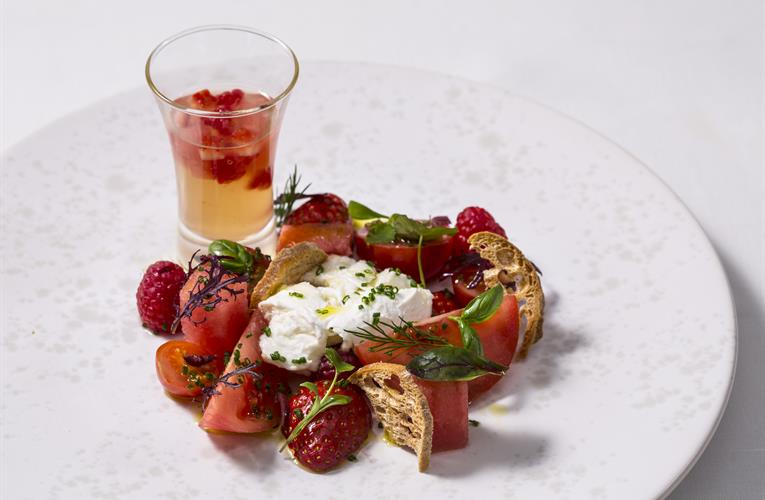 Painting our plates red: inspiring foodies to choose British tomatoes