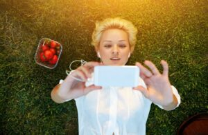 Can mobile phones really encourage fresh produce consumption?